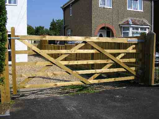 Portfolio eamples of our new fencing and gates company service in Derby 7 1
