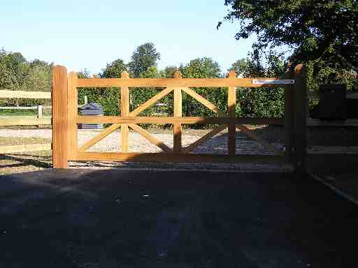 Portfolio eamples of our new fencing and gates company service in Derby 8 1