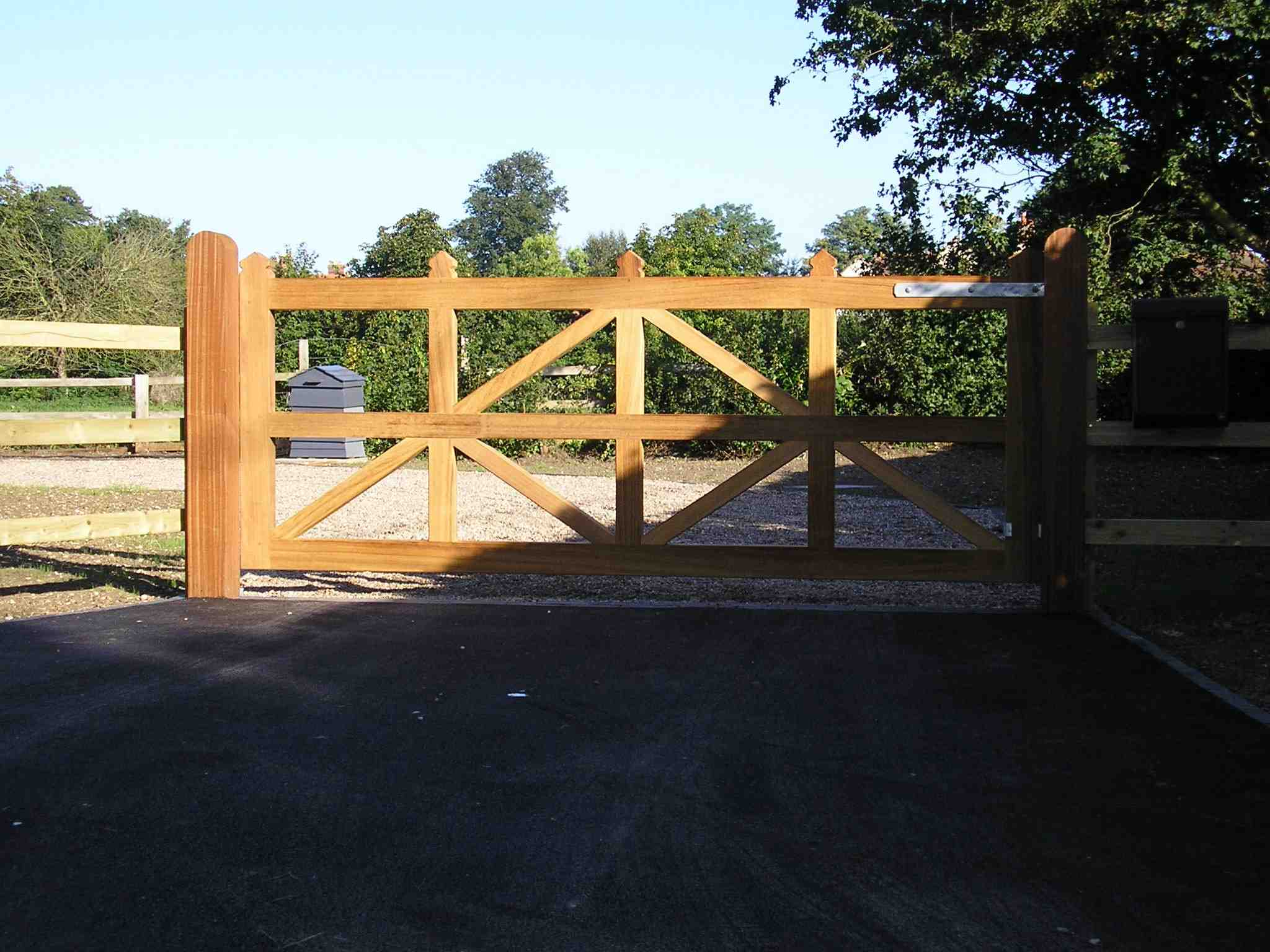 Portfolio eamples of our new fencing and gates company service in Derby 8